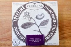 treeline-herb-garlic-soft-cheese